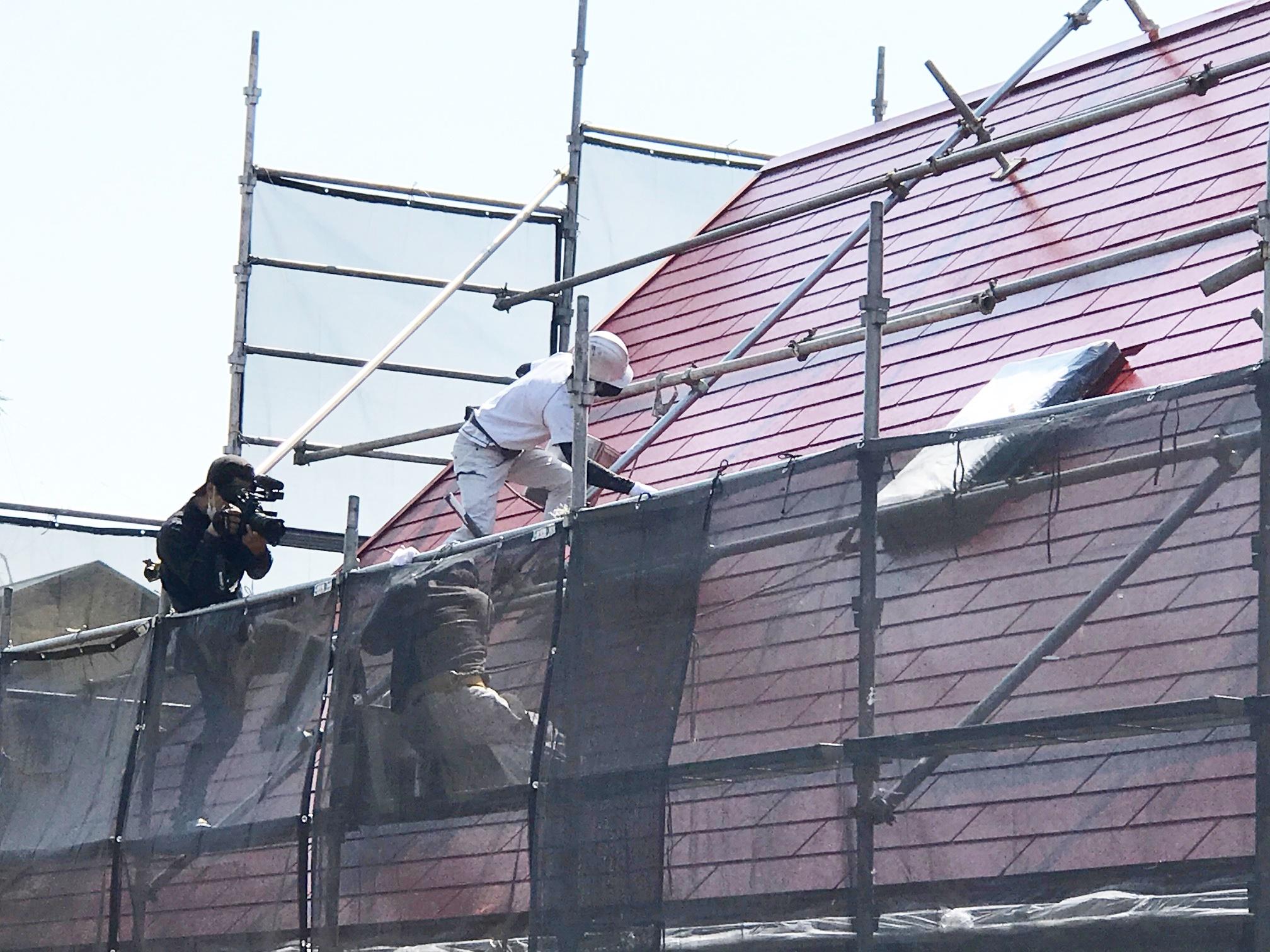 箕面市のタフグロスコート施工現場撮影